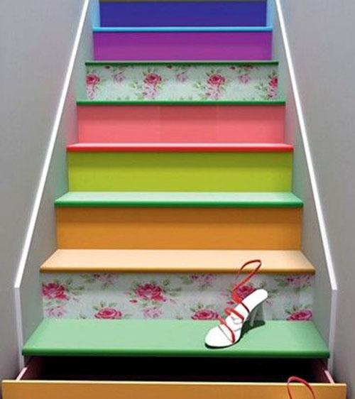空间 楼梯/三、巧妙布置楼梯下空间: