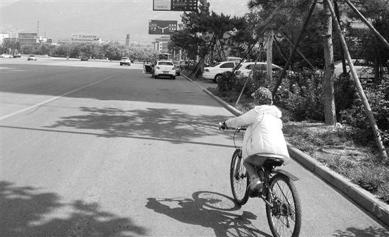 8岁男孩日骑百公里从杭州骑向北京