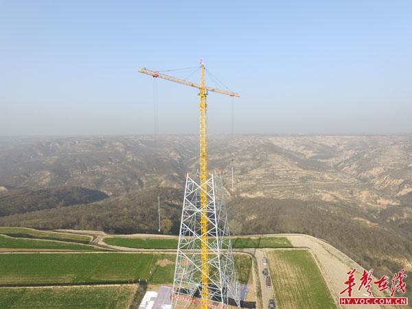 吉泉1100千伏特高压工程(甘9标段)全面进入铁塔组立